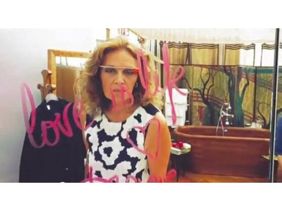 Designerin Diane von Furstenberg trug Google Glass auf der Fashion Week in New York.