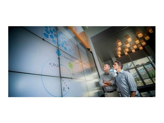 Forscher der University of California haben neue Kontrollalgorithmen entwickelt, die ein schnelleres Laden von Akkus ermöglichen.