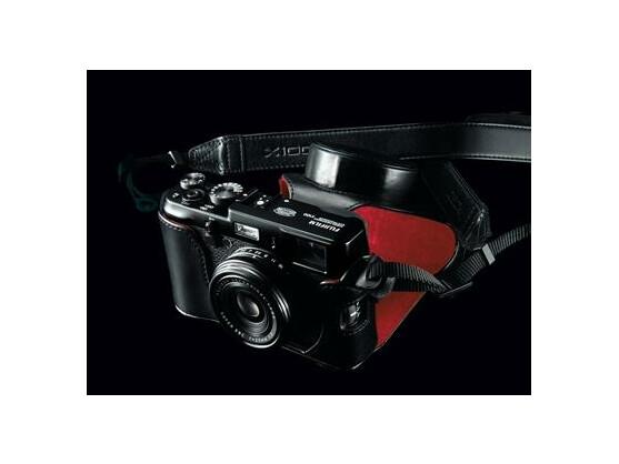 Hochwertige Kameras wie die Fujifilm X100 ahmen das Design klassischer Sucherkameras wie das der Leica nach.