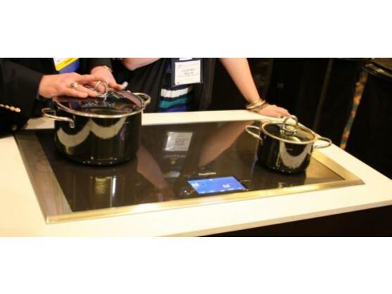 Ces 2012 herdplatte erkennt topf und pfannengrosse for Induktionsherdplatten