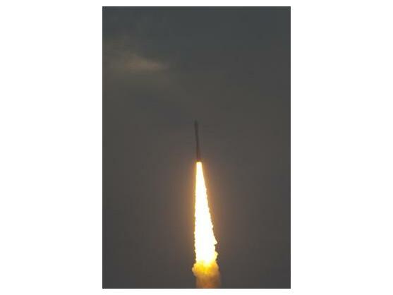 Mit neun Satelliten an Bord ist Vega erfolgreich in Kourou gestartet.