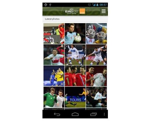 Die offizielle UEFA EURO 2012 App bietet Fotos und vieles mehr.