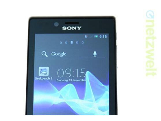 Das Sony Xperia J richtet sich an Einsteiger und kann im Test mit Design und Sprachqualität punkten.