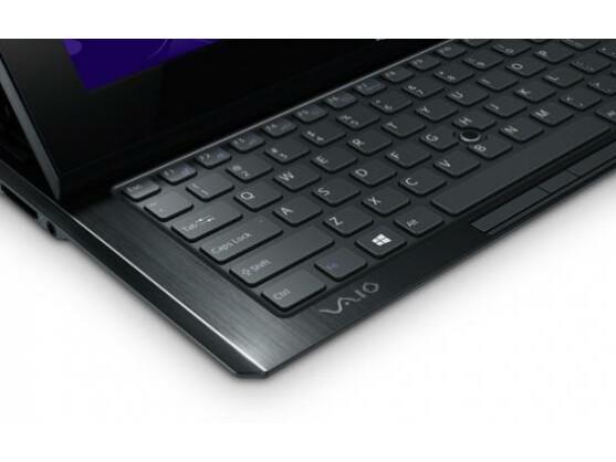Die Tasten verfügen über großzügige Abstände zueinander. Auf der Tastatur ist daher flüssiges Schreiben möglich.
