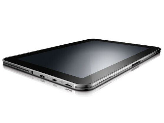 Das ultraflache Tablet verfügt über alle wichtigen Ports und Schnittstellen.