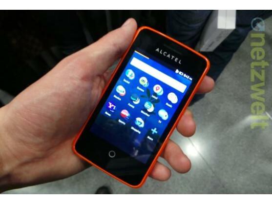 Das Alcatel One Touch Fire ist das erste Smartphone mit Mozillas Firefox OS.