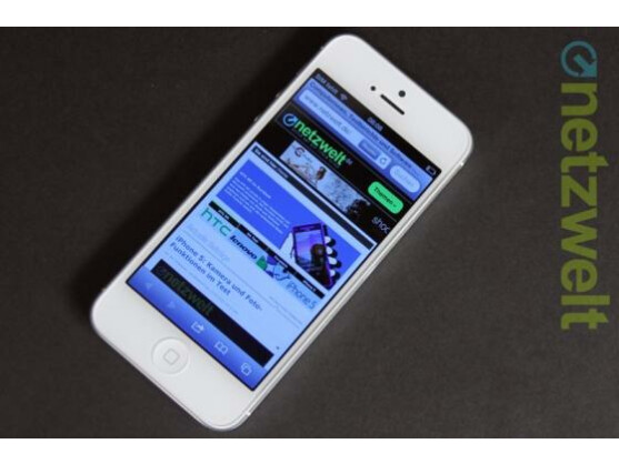 Anders als das iPhone 5 (Bild) soll der Nachfolger iPhone 5S mit einem Dual LED-Blitz ausgestattet sein.