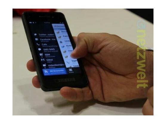Der BlackBerry Hub ist der zentrale Nachrichteneingang des Systems.