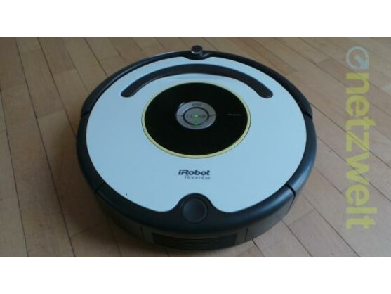 Der iRobot Roomba 620 reinigt Zimmer nach dem Chaos-Prinzip.
