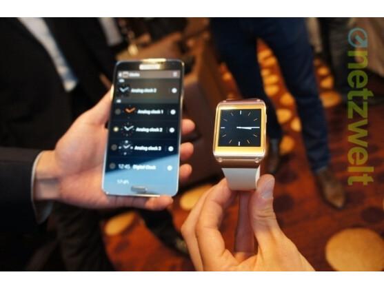 Kumpel fürs Leben: Ohne passendes Smartphone (im Bild das neue Galaxy Note 3) ist mit der Galaxy Gear nicht allzu viel los.
