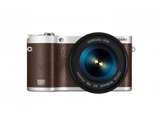 Die NX300 Systemkamera wird durch die neue Firmware 1.20 mit neuen Funktionen ausgestattet.