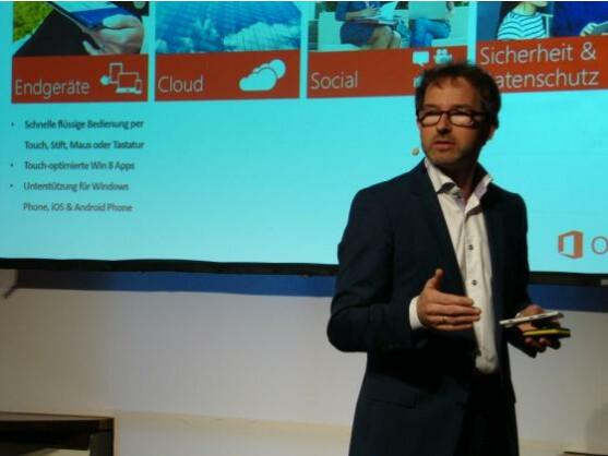 Oliver Gronau von Microsoft präsentierte das neue Office in Hamburg.