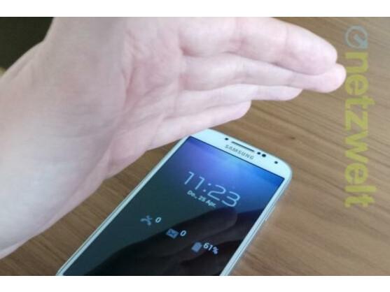 Viele Funktionen des Samsung Galaxy S4 lassen sich verwenden, ohne das Smartphone zu berühren.