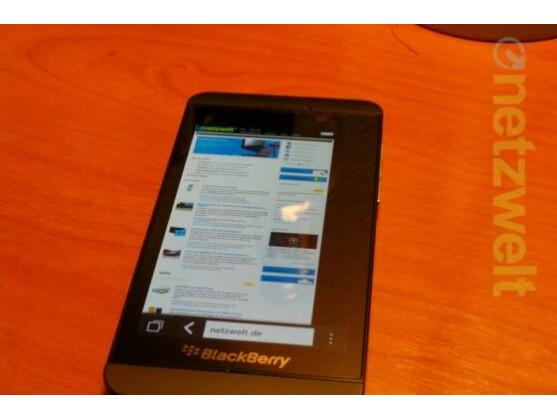 Das Z10 ist das erste BlackBerry 10-Smartphone.
