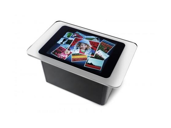 Microsoft Surface: Demnächst dürfen auch BMW-Kunden Neuwagen per Fingerzeig zusammenbauen.