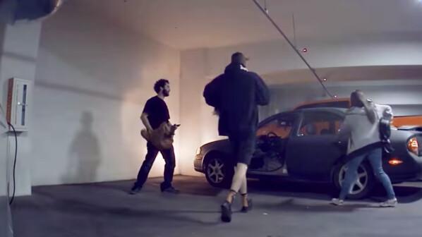 Tesla-Hasser gehen ungewollt viral: Trollt euch, ihr seid auf Video!