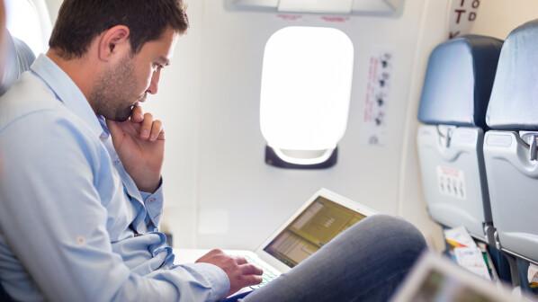 surfen im flugzeug diese airlines bieten euch wlan. Black Bedroom Furniture Sets. Home Design Ideas