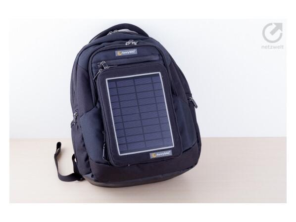 solar rucksack sunnybag explorer 2 im test netzwelt. Black Bedroom Furniture Sets. Home Design Ideas