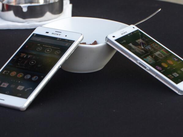 Sony Xperia ST21i Smartphone;