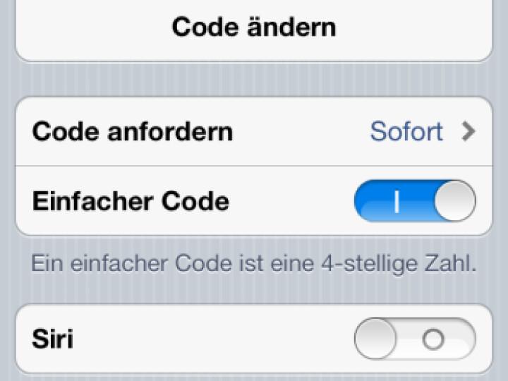 Bei der Aktivierung der Codesperre sollte Siri mit deaktiviert werden.