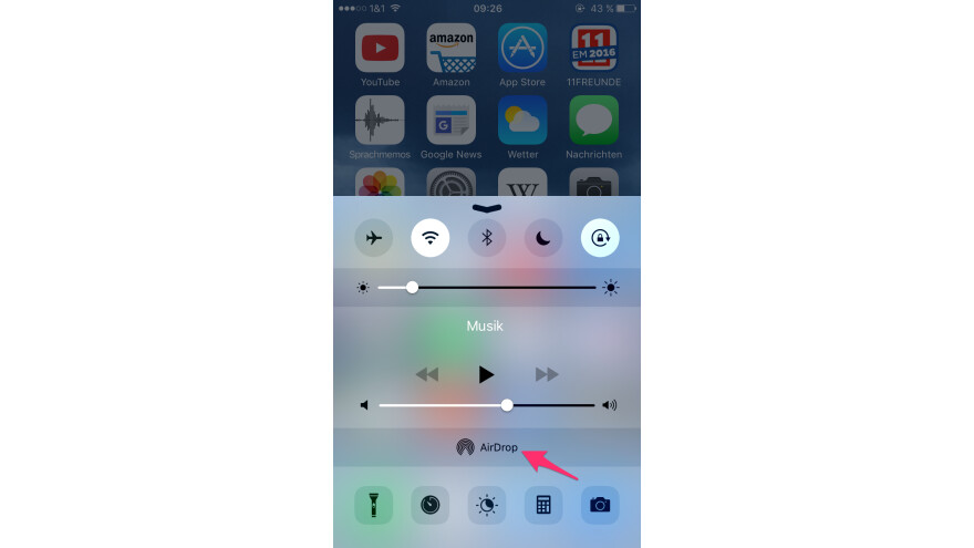 how to send via airdrop from iphone to mac
